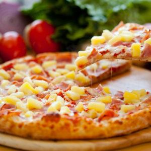 Ham, pineapple & sauce